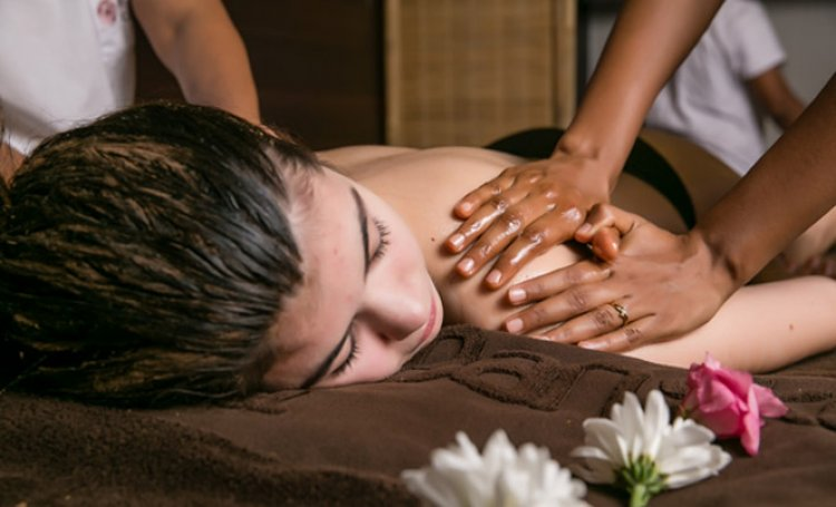 Massage on a woman body, back | Ayurveda Clinic Sofia