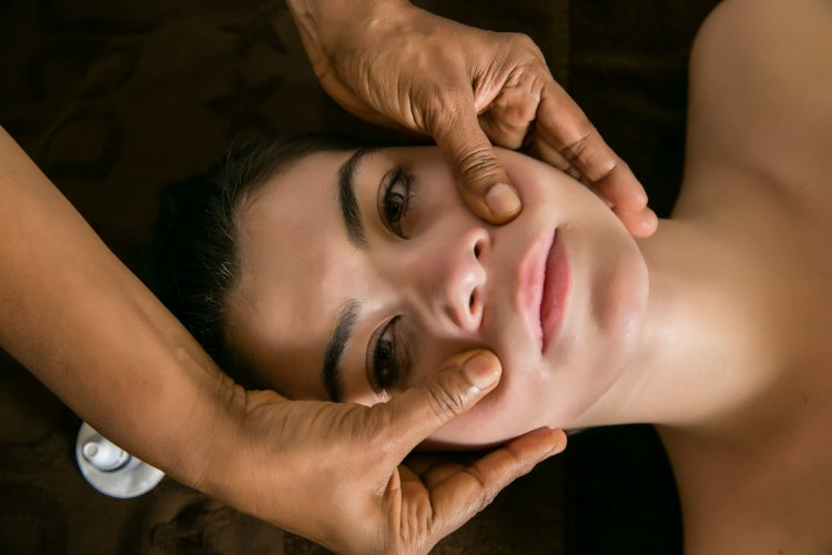 Therapy on a woman face | Ayurveda Clinic Bansko